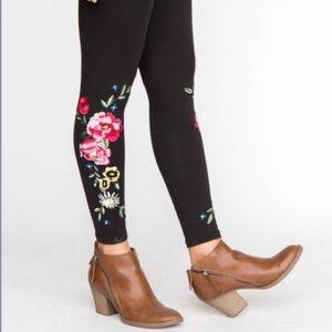 Agnes & Dora Embroidered Floral Leggings
